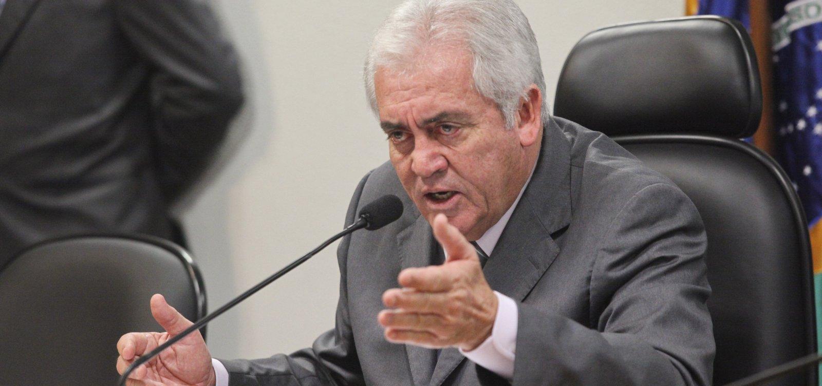[Otto defende abertura de inquérito contra Bolsonaro por crime de responsabilidade]