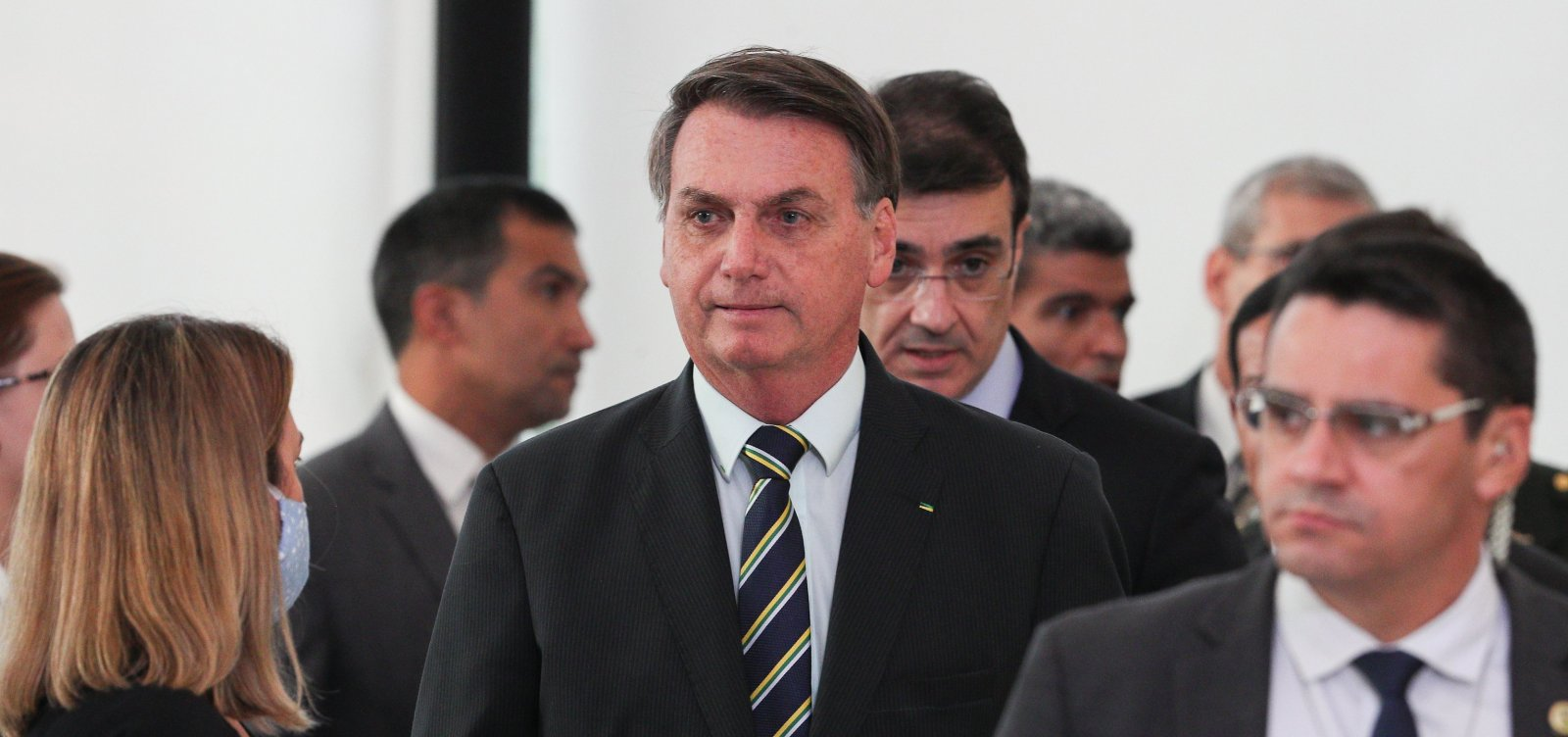 [Bolsonaro tenta aval do STF para nomear amigo do filho como novo diretor-geral da PF]