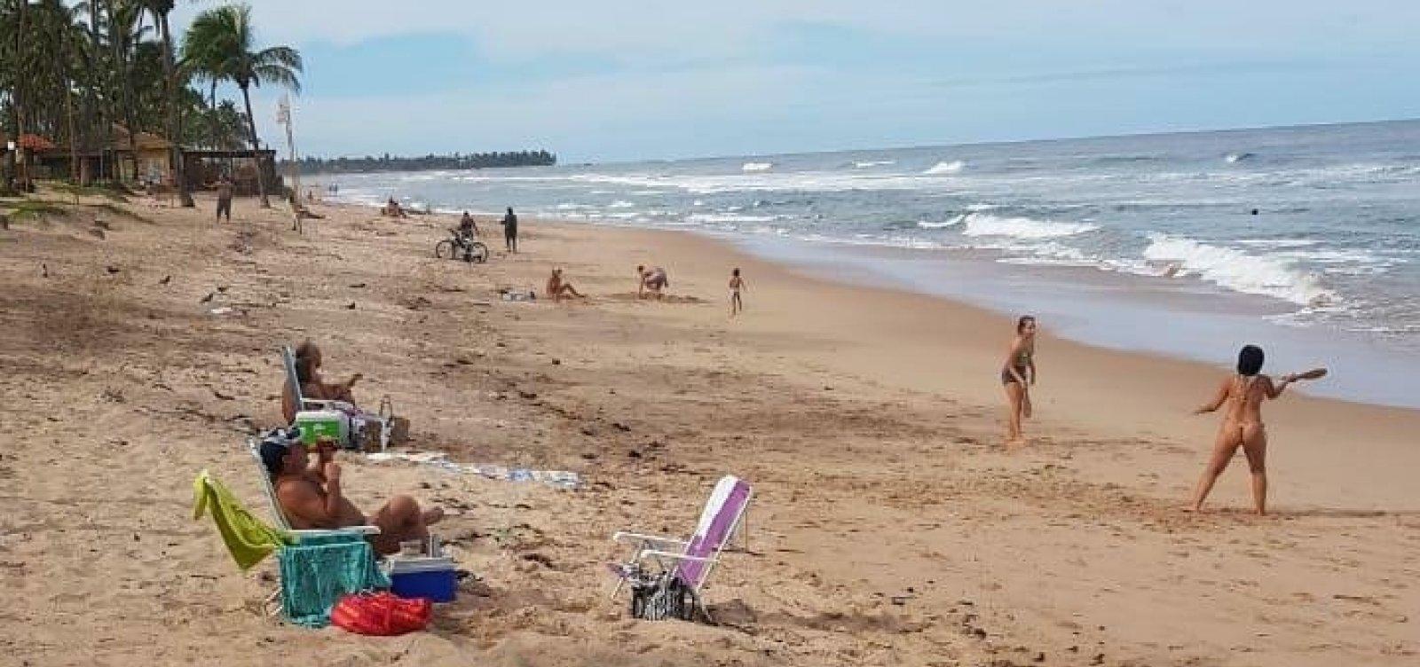 [Banhistas são flagrados em praia de Vilas, interditada desde 19 de março]