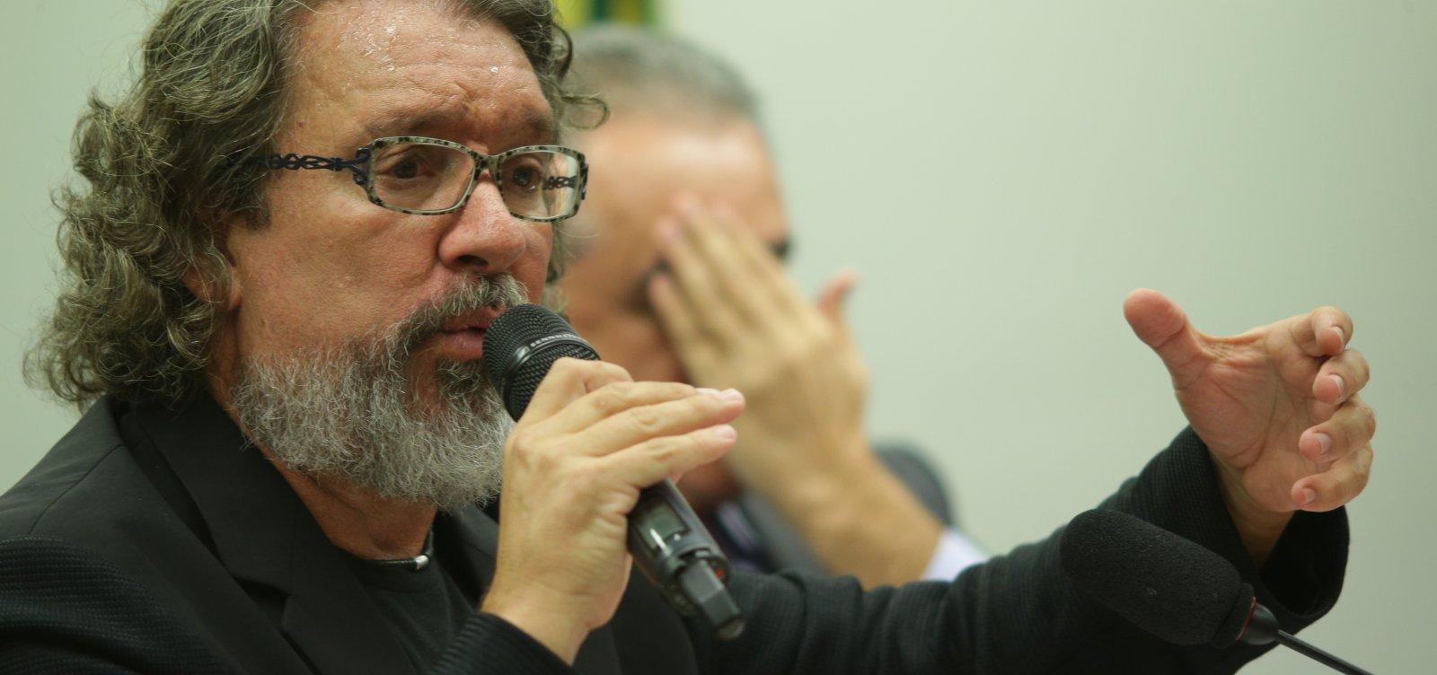[Kakay diz que Aras será obrigado a denunciar Bolsonaro ou Moro]