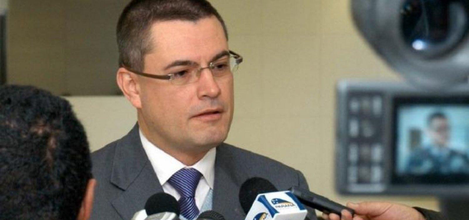 [Valeixo diz que Bolsonaro queria no comando da PF alguém com quem tivesse 'afinidade']