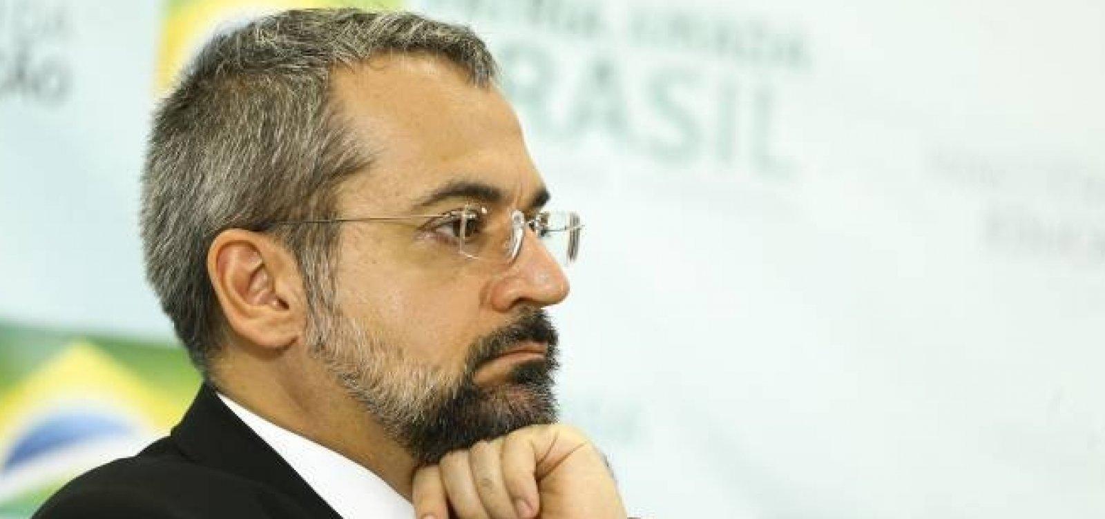 [Em reunião citada por Moro, Weintraub disse que ministros do STF têm que ir para cadeia]
