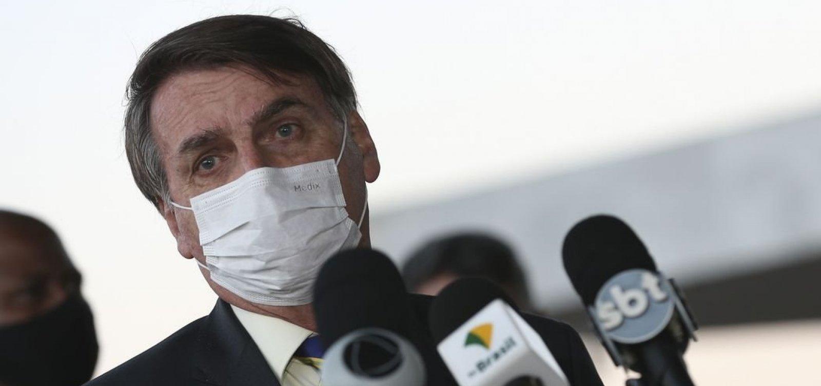 [Após Teich alertar sobre cloroquina, Bolsonaro defende remédio e pede ministros 'afinados' com ele]