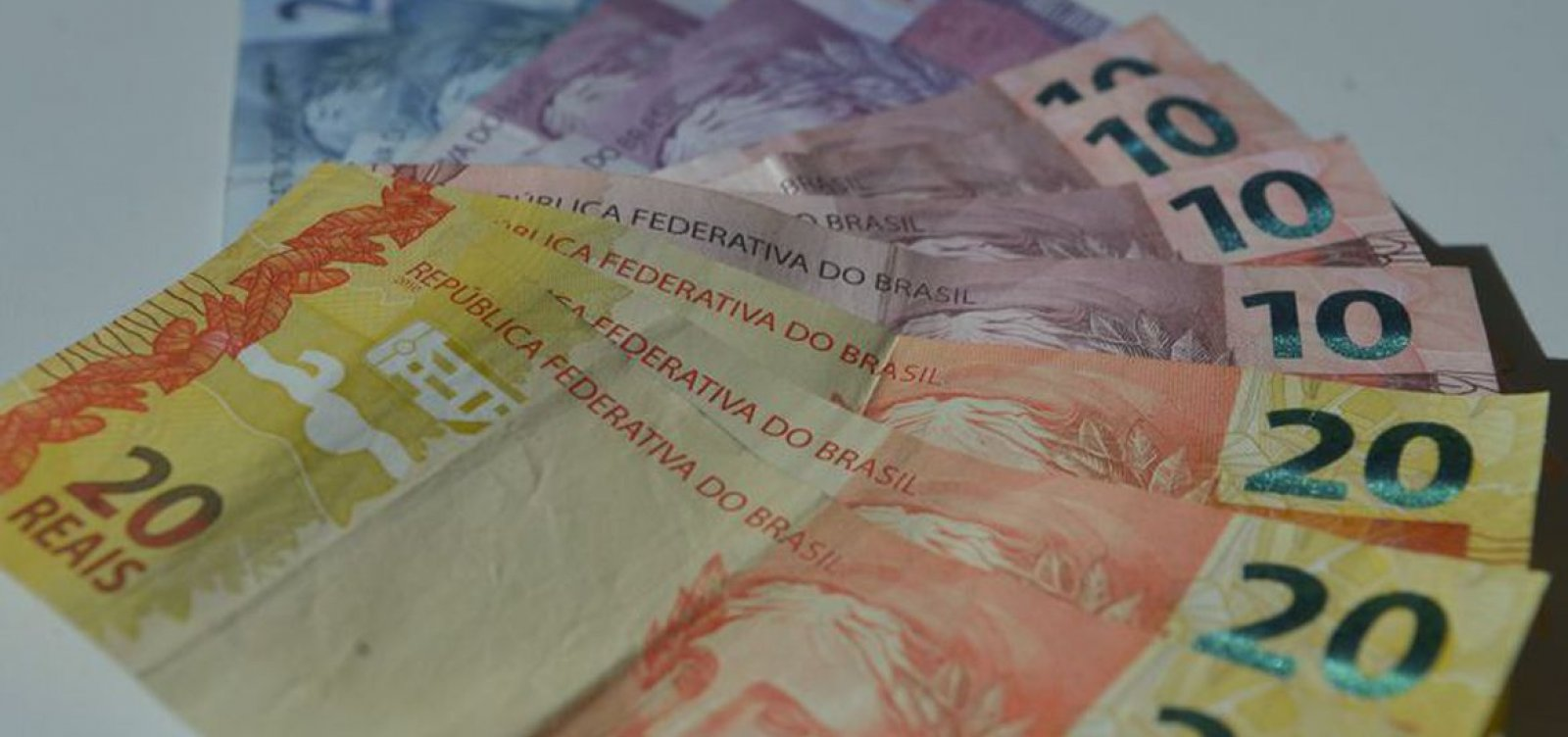 [TCU determina que militares devolvam R$ 600 do auxílio emergencial recebido de forma indevida]