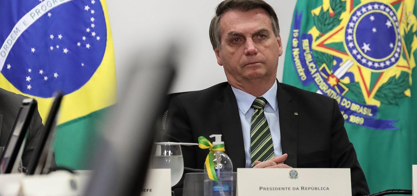 [Em reunião, Bolsonaro falou em armar população contra governadores]