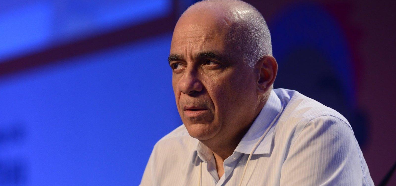 [Sociólogo critica papel das elites na crise e alerta: 'Está se colocando um golpe no Brasil']