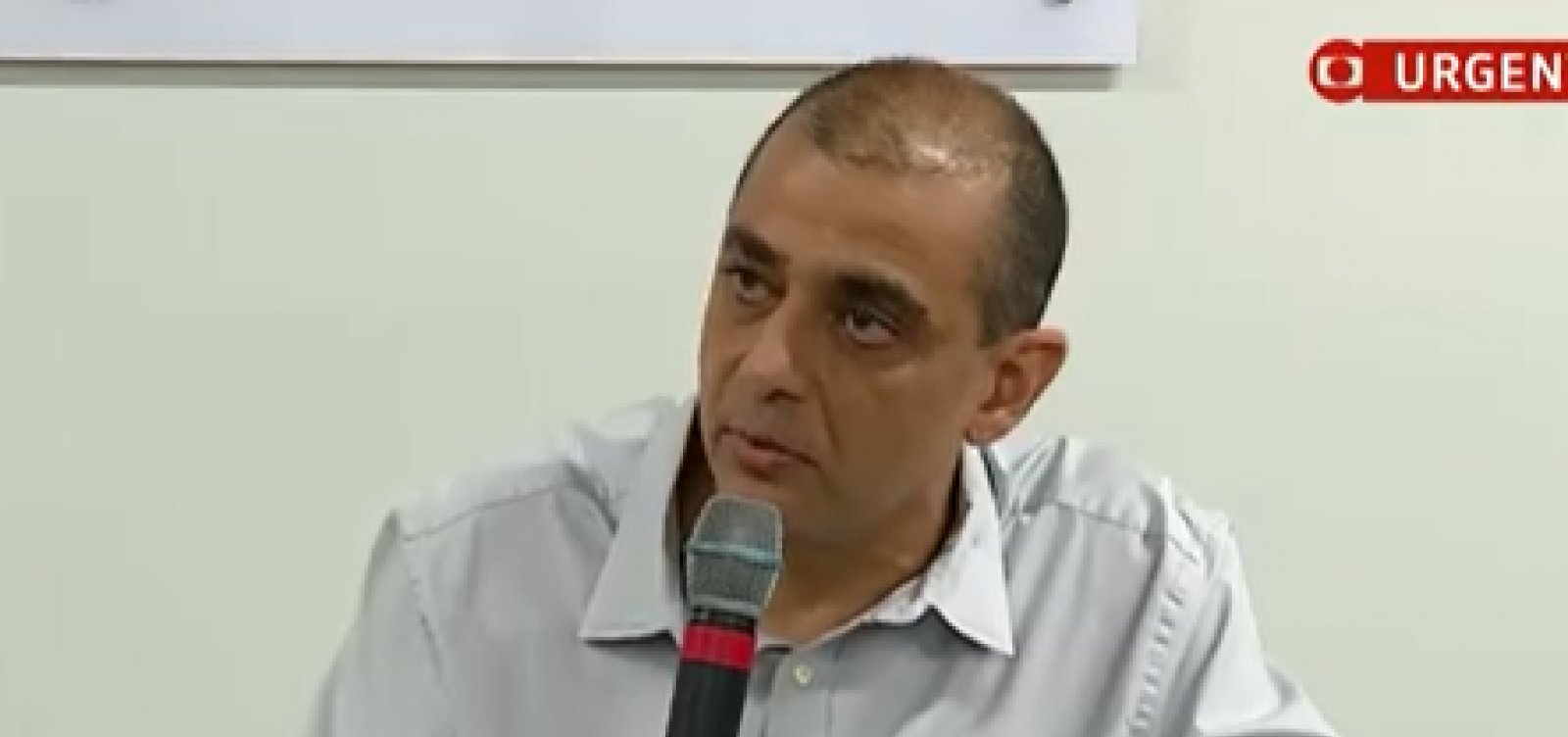 [Secretário de Saúde do RJ deixa o cargo durante pandemia de Covid-19]