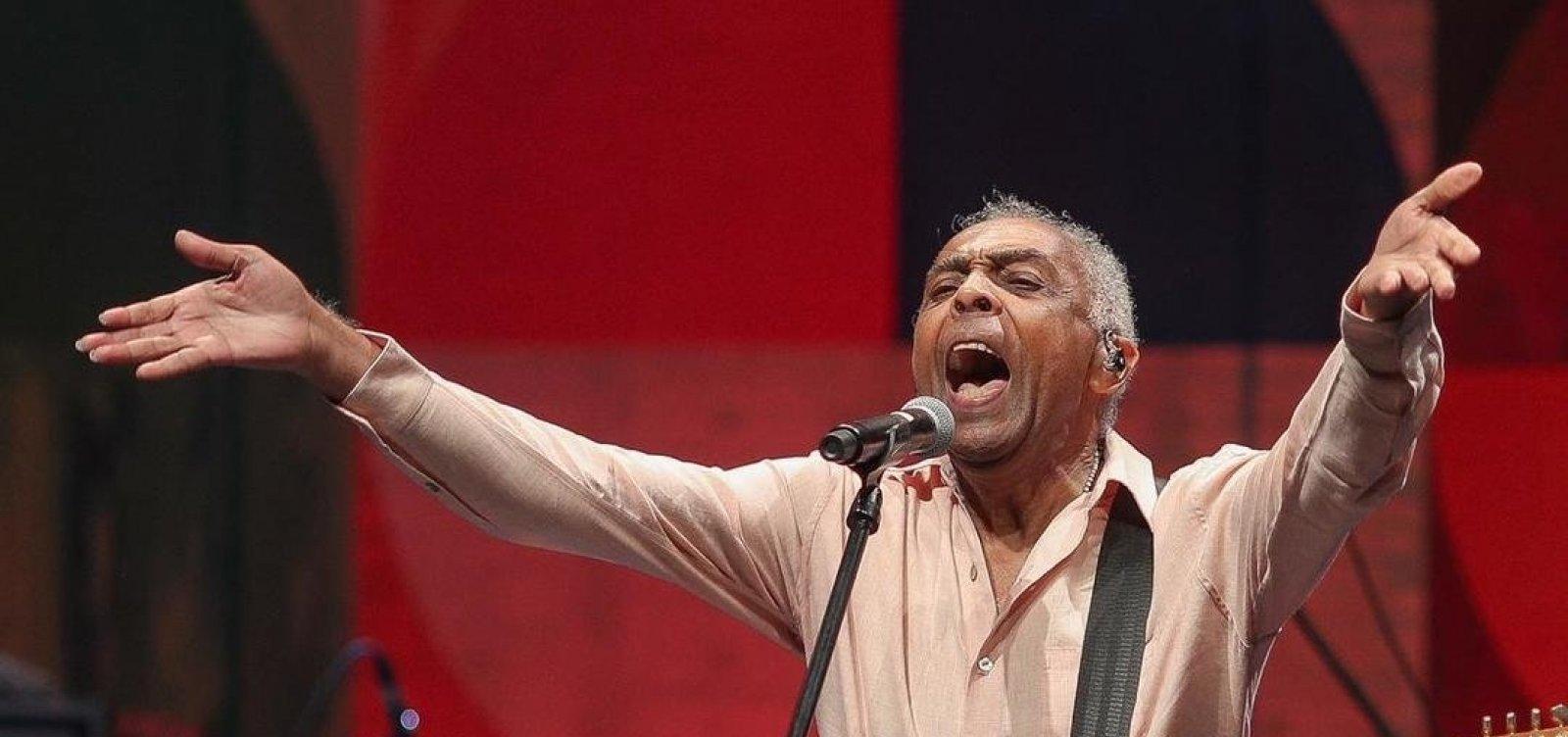 [Gilberto Gil regrava 'Soy Loco Por Ti, América' para campanha em prol de agricultores]