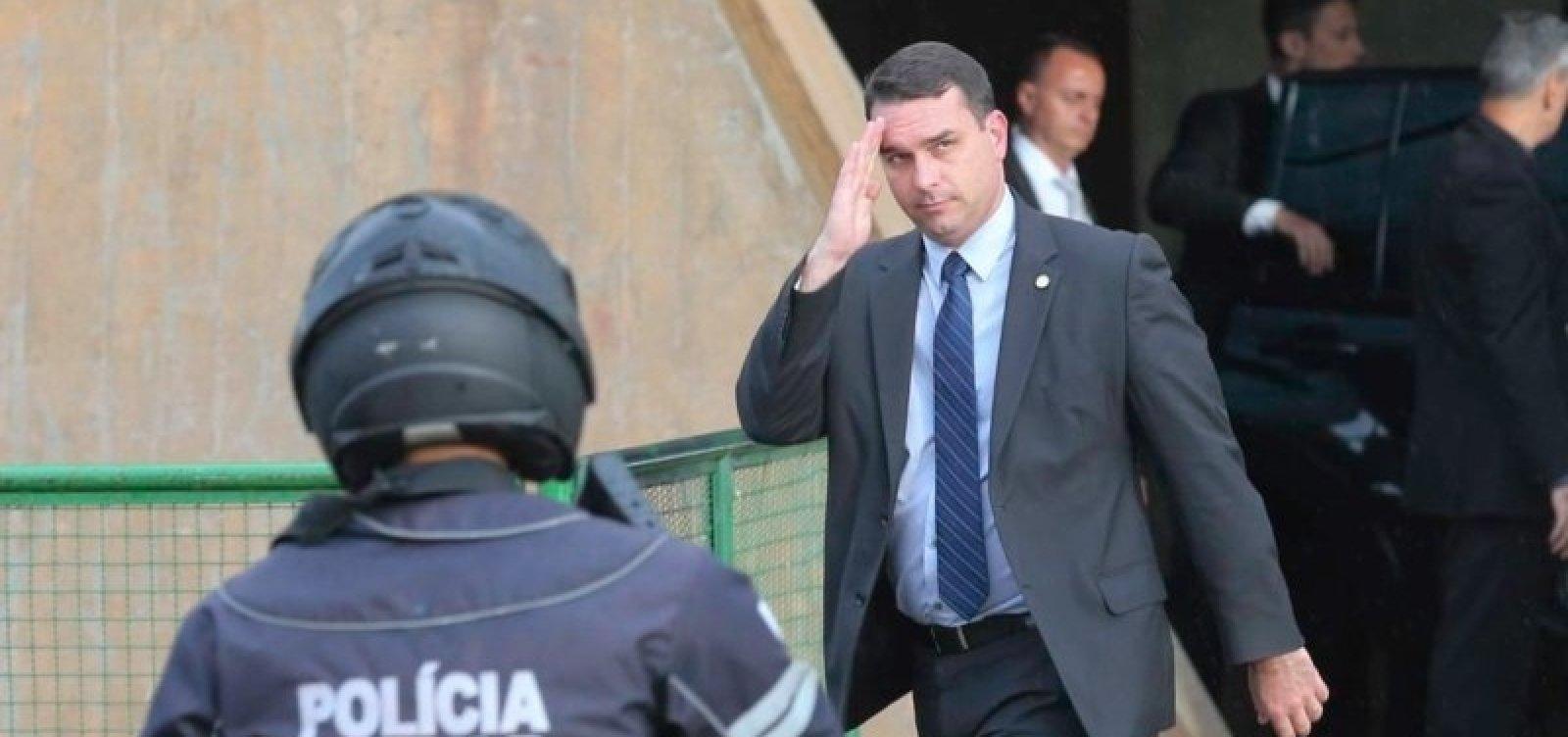 [Polícia Federal vai investigar relato sobre vazamento de operação a Flávio Bolsonaro]
