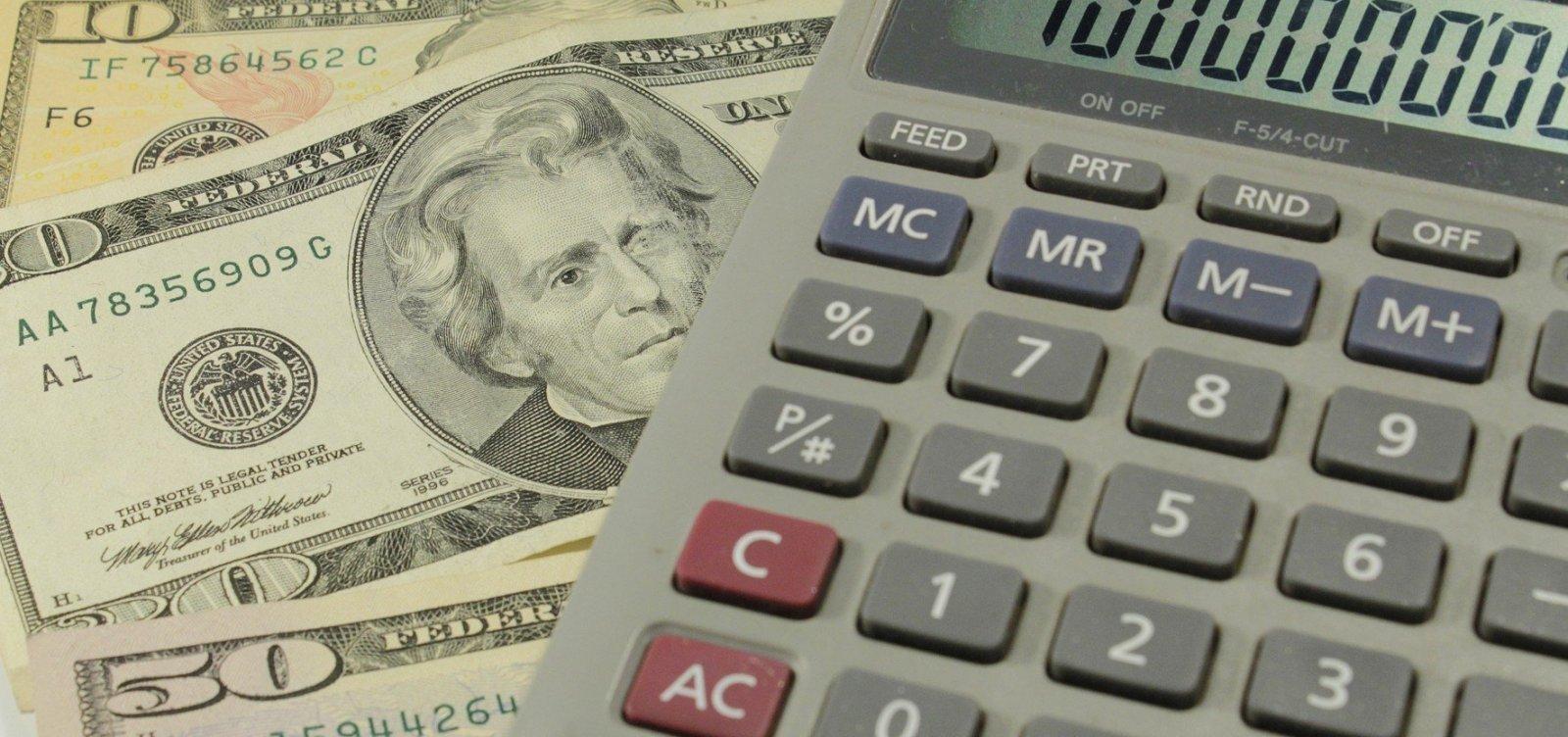 [Dólar fecha em alta cotado a R$ 5,75]