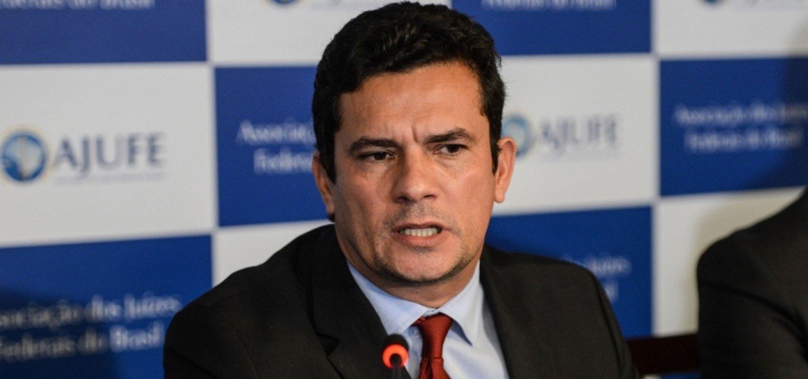 [Após falas de Lula e Bolsonaro, Moro afirma que 'coronavírus não é piada nem algo positivo']