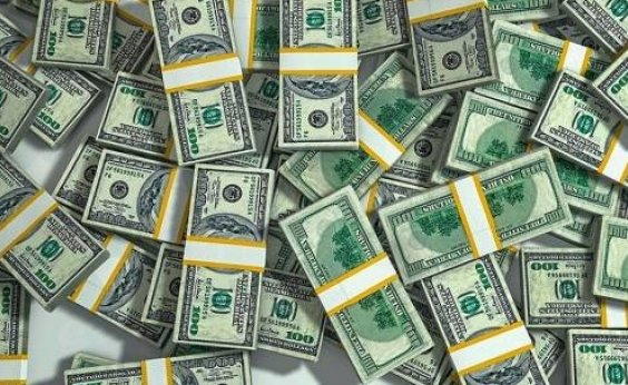 [Dólar fecha em queda de 1,87% vendida a R$ 5,5811]