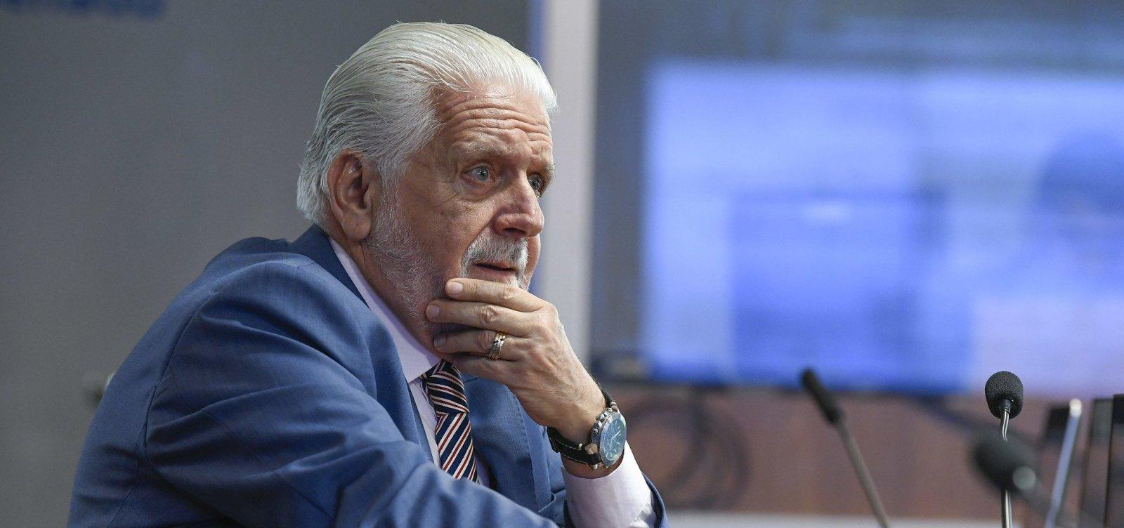 [Wagner discorda de Lula e pede diálogo do PT com Ciro e Marina]