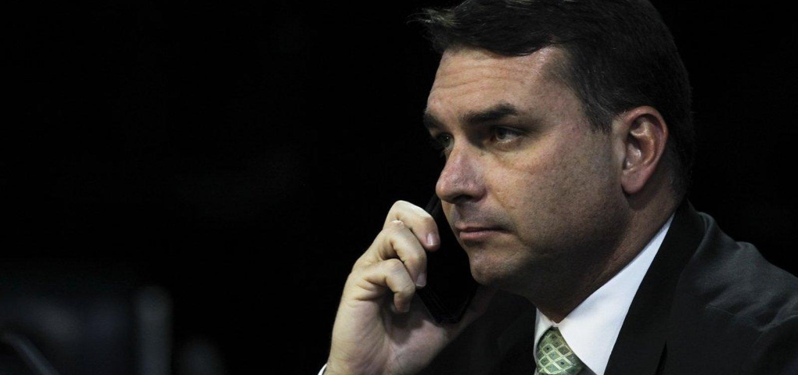 [Flávio Bolsonaro fez acordo com indústria de sabão da Bahia em meio a suspeita de lavagem de dinheiro]