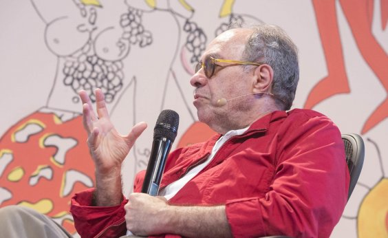 [Jornalista Sérgio Augusto aponta 'infantilização' do cinema brasileiro]