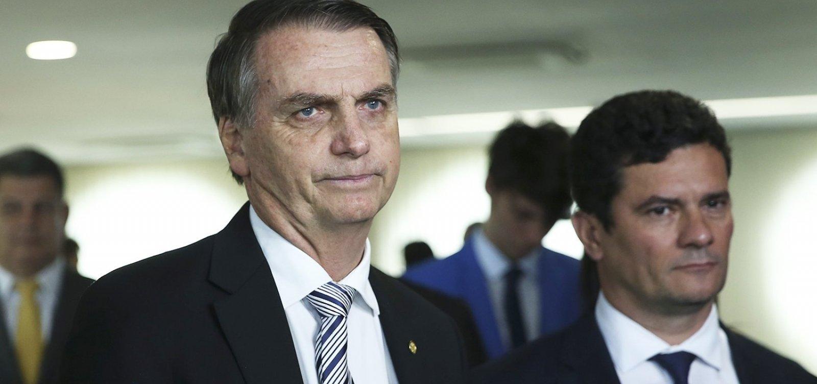 ['Moro, Valeixo sai esta semana', diz Bolsonaro em mensagem antes de reunião ministerial]