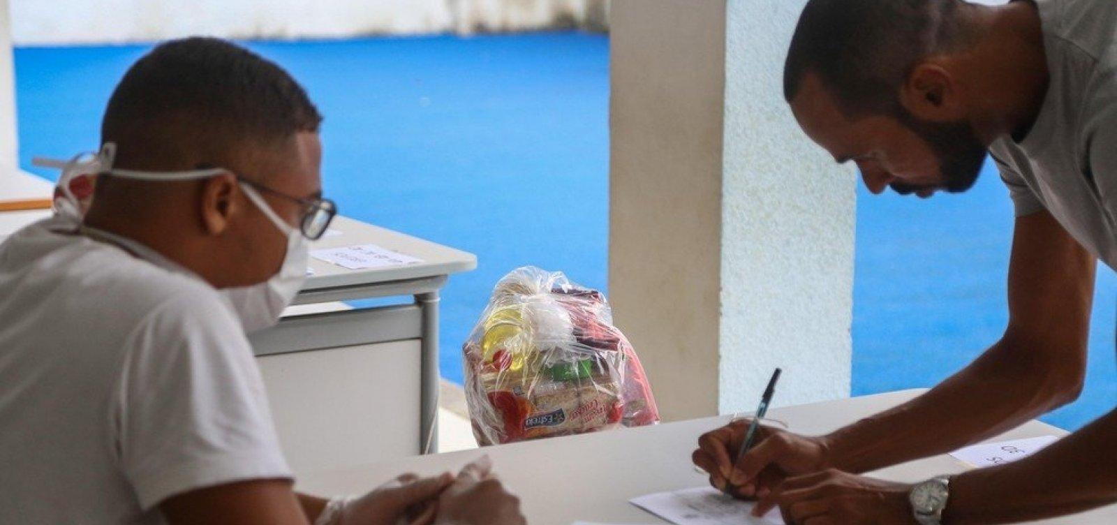 [Prefeitura adia entrega de cestas básicas para rede municipal após antecipação de feriados]