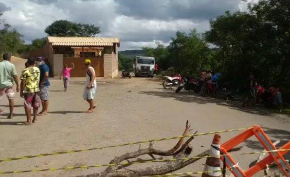 [Palmeiras: moradores fecham entrada de distrito e impedem família de enterrar morto por Covid-19]