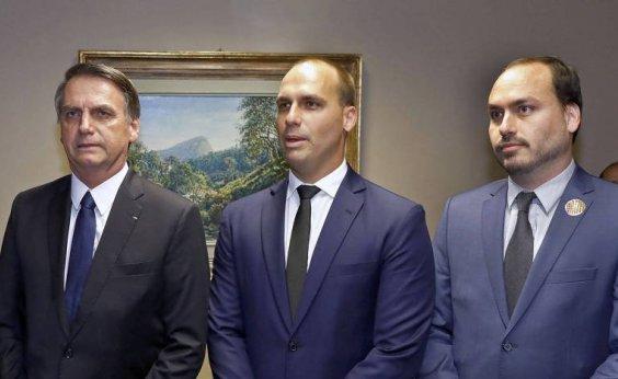 [Eduardo e Carlos Bolsonaro chamam operação da PF contra aliados do presidente de 'inconstitucional']