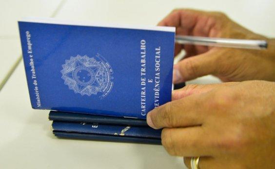 [Brasil perde mais de 860 mil empregos formais em abril]