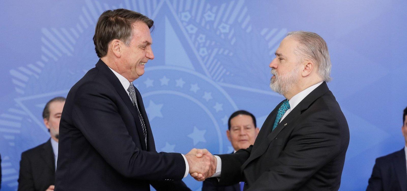 [Aras é nome forte para eventual terceira vaga no Supremo, diz Bolsonaro]