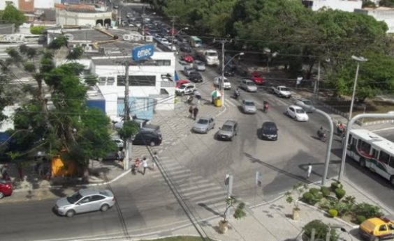 [Mais de 200 estabelecimentos são fechados em Feira de Santana por funcionar após decreto ]