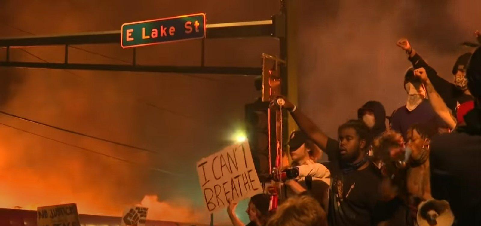 [Protestos contra racismo chegam ao 5º dia nos Estados Unidos]