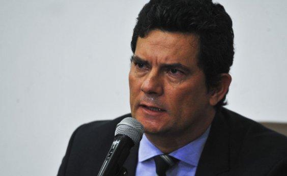 ['Tão loucos mas, ainda bem, tão poucos', diz Moro sobre protesto em Brasília]