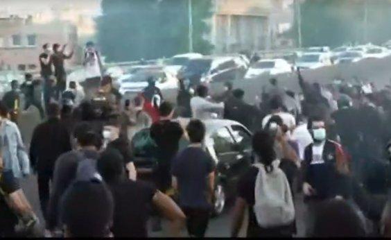 [Protestos contra o racismo tomam as ruas da França; veja vídeo]