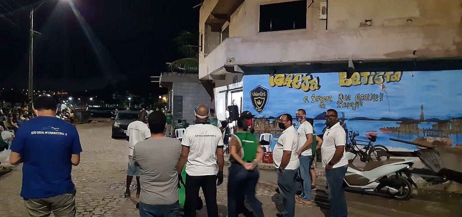 [Polícia encerra culto evangélico que reunia dezenas de pessoas em Massaranduba]
