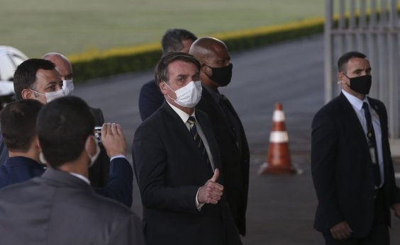 [Bolsonaro insinua que Witzel será preso: 'Brevemente, já sabe onde ele deve estar, né?']