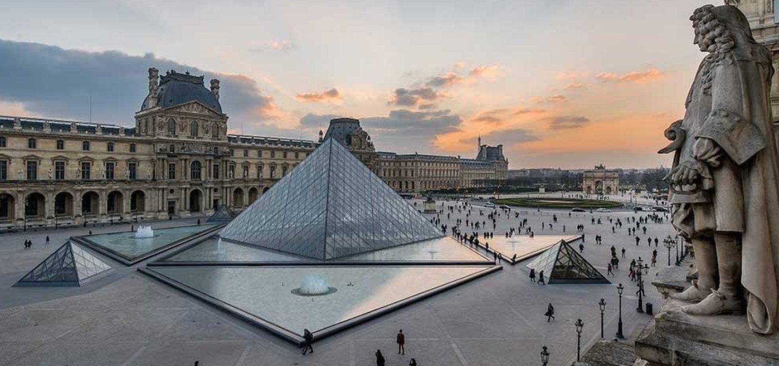 [Museu do Louvre anuncia reabertura para 6 de julho]
