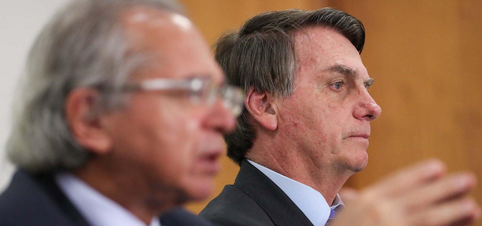 [Bolsonaro inaugura 1º hospital federal de campanha, construído há 45 dias]