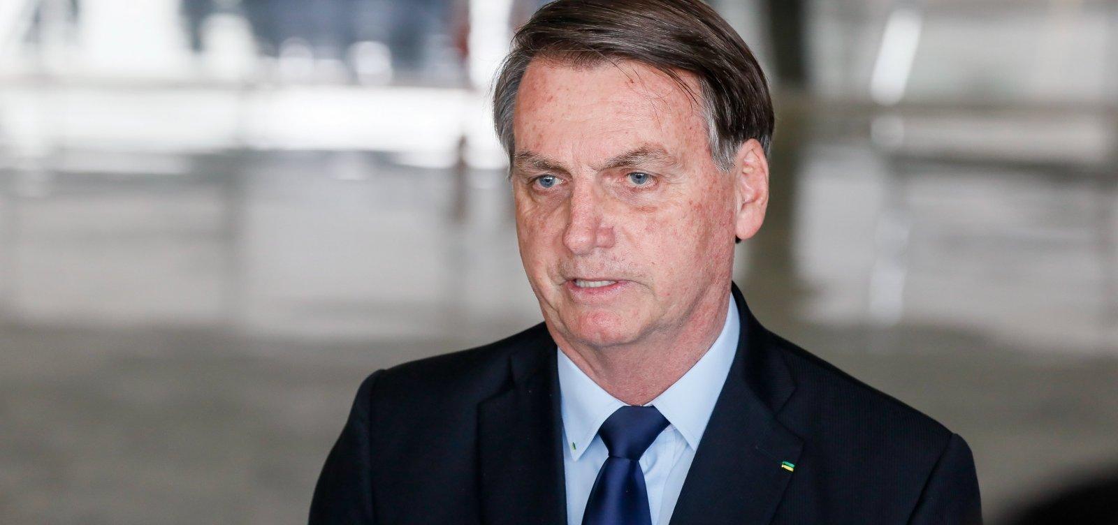 [Bolsonaro responsabiliza governadores e prefeitos por combate à covid-19]
