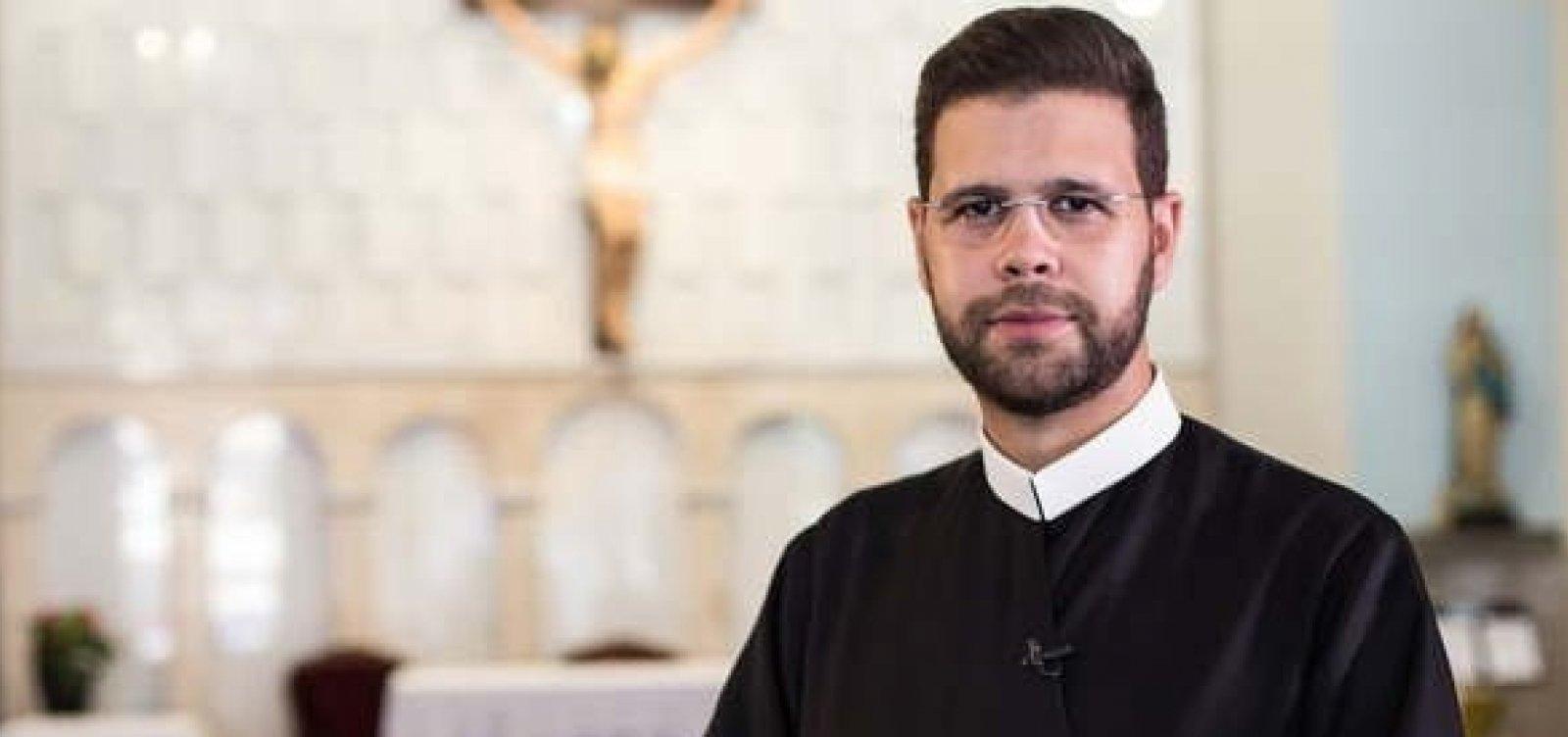 [TV católica desautoriza padre que pediu verba a Bolsonaro]