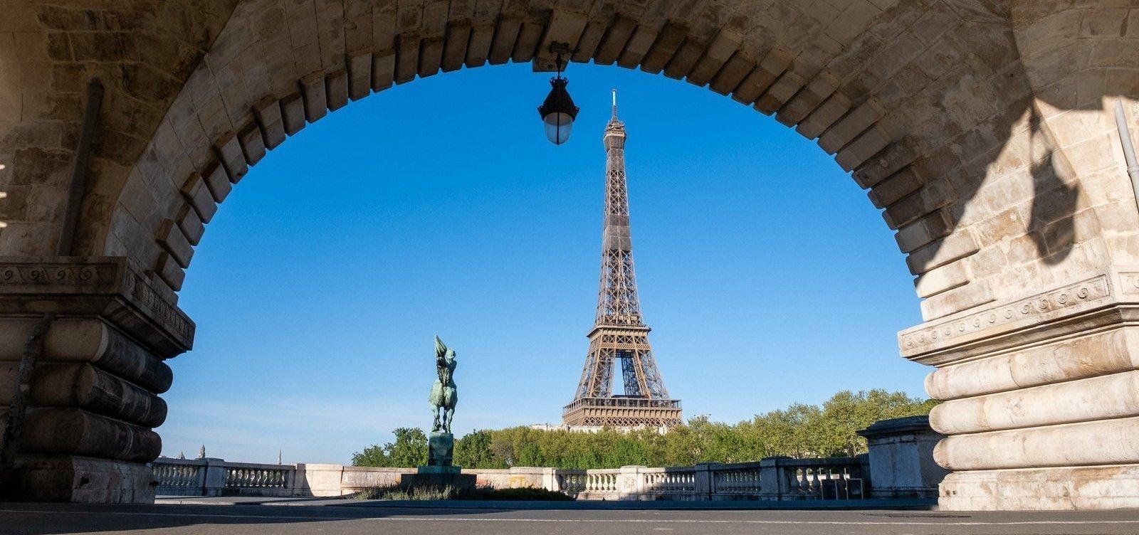 [Cartão-postal de Paris, Torre Eiffel será reaberta para visitação em 25 de junho]