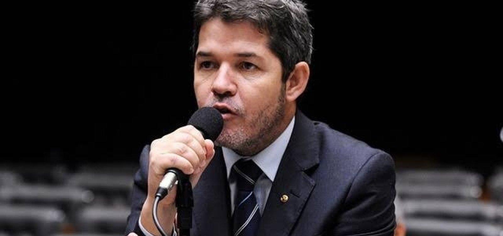 [Delegado admite que foi 'gado de Bolsonaro' e diz: 'Ajudei a criar esse monstro e vou ajudar a matar']