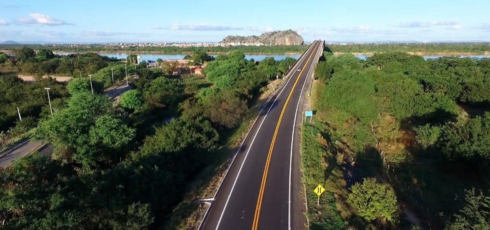 [Governo federal entrega 88 km de pista recuperada em estrada na Bahia]
