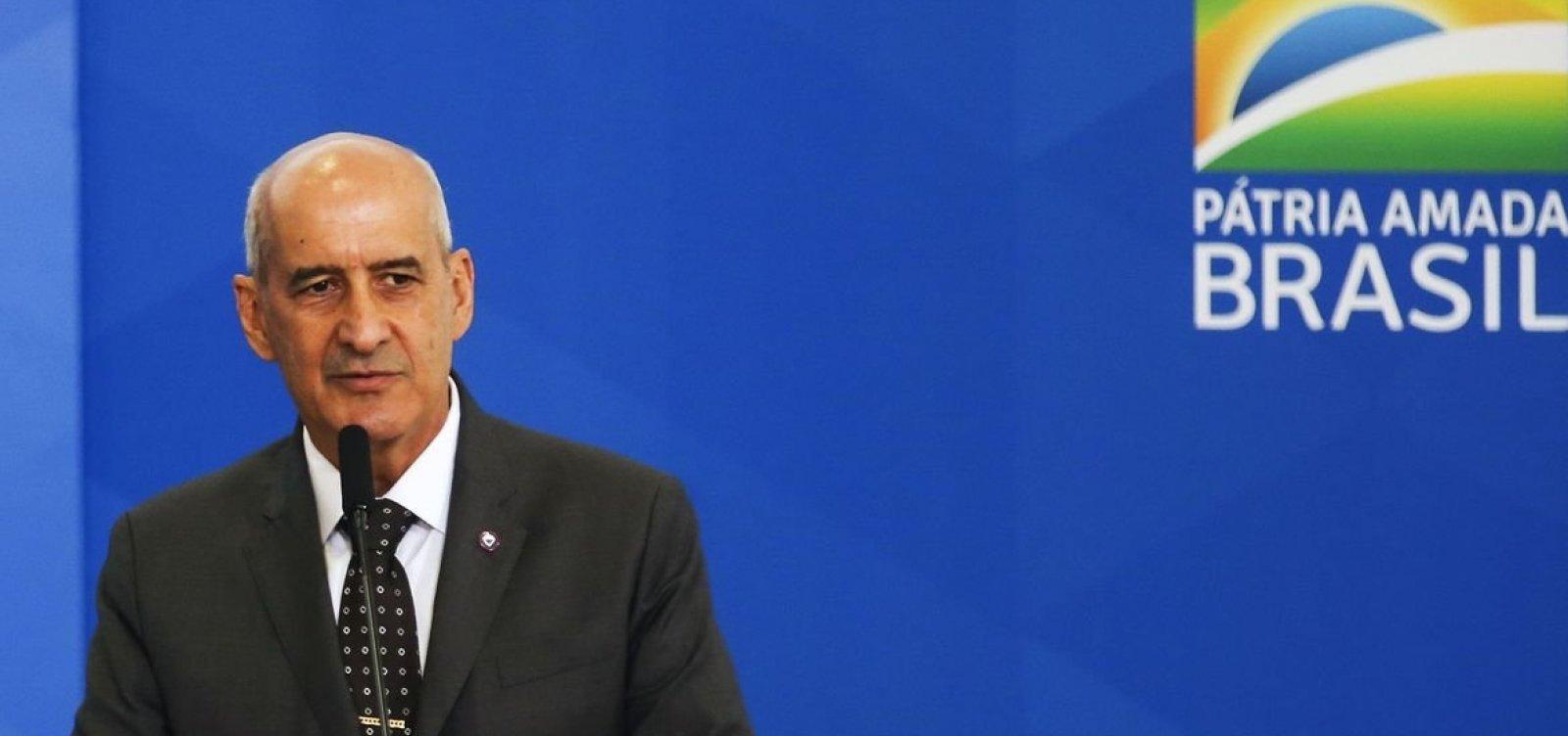[General Ramos diz que militares não darão golpe se 'o outro lado não esticar a corda']
