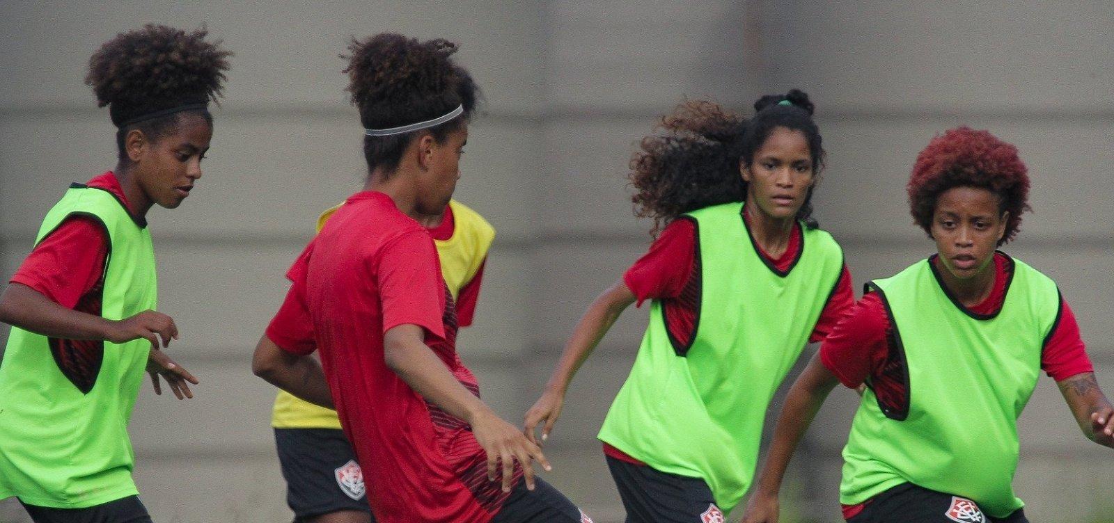 [Grupo de torcedores do Vitória cria campanha para arrecadar dinheiro em prol do futebol feminino ]