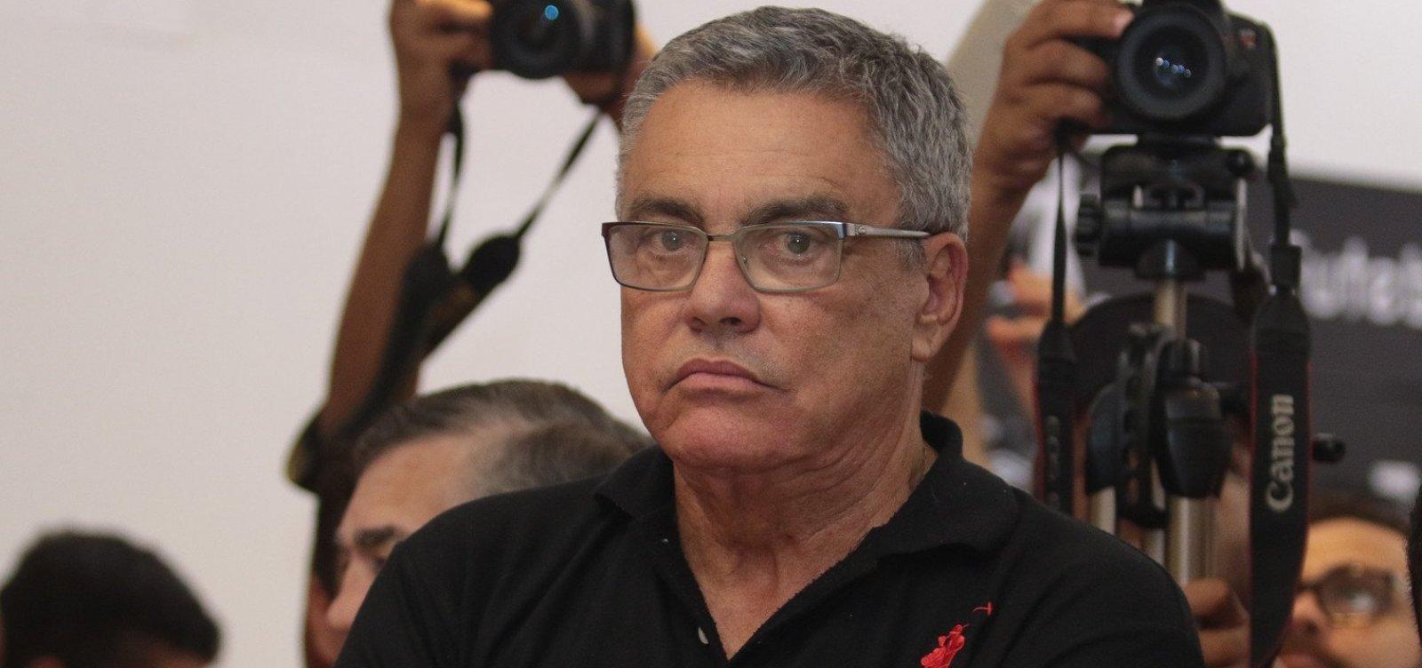 [Paulo Carneiro sobre verba do futebol feminino do Vitória: 'Presidente faz do dinheiro o que ele quiser']