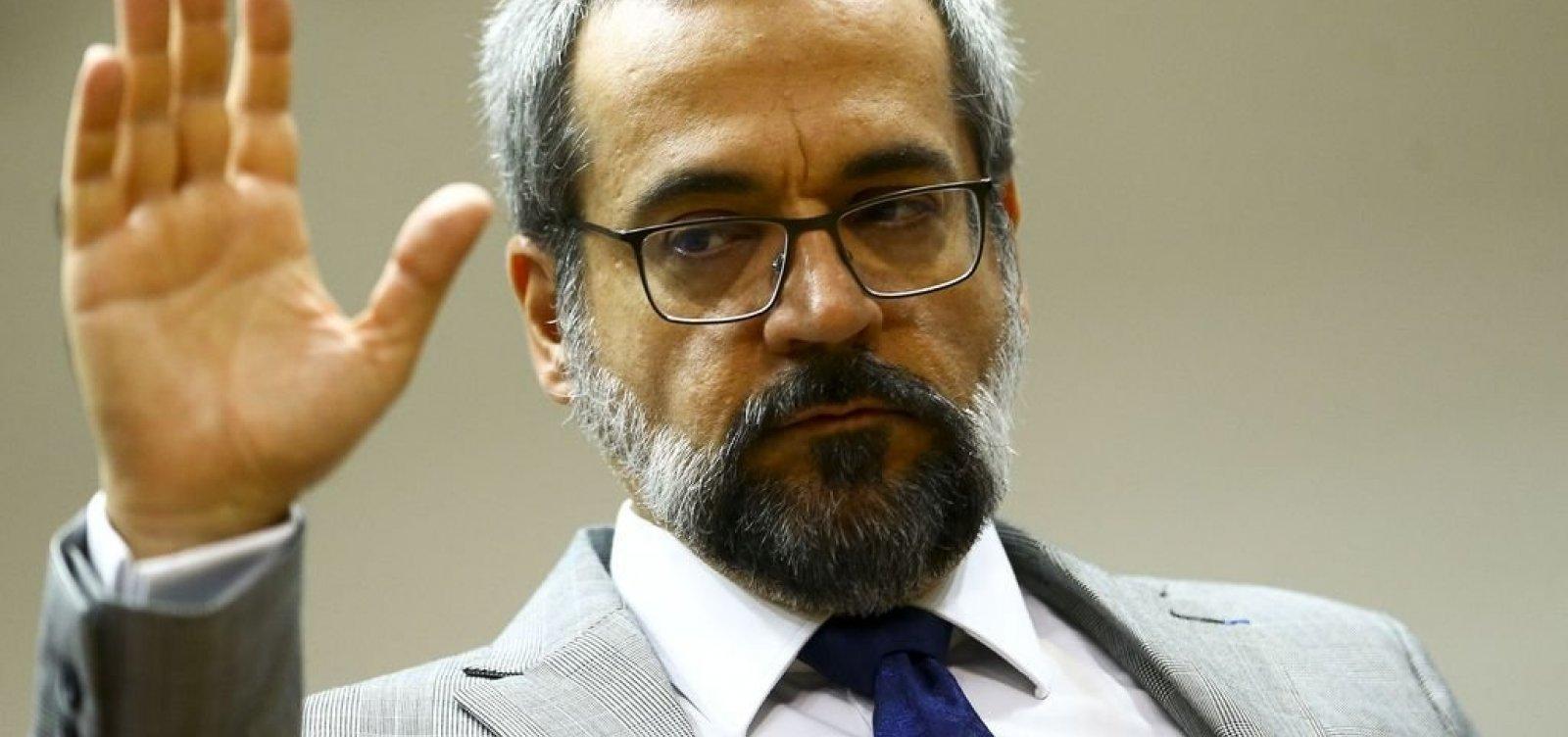 [Ministros do STF são avisados de que Weintraub deixará o governo]