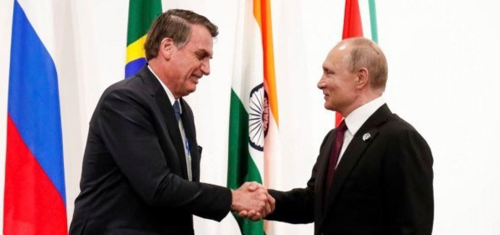 [Bolsonaro conversa com Putin sobre cooperação na área de saúde]