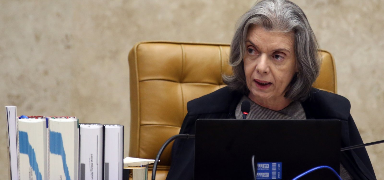 [Ministra Cármen Lúcia vota contra pedido para tirar Weintraub do inquérito das fake news]