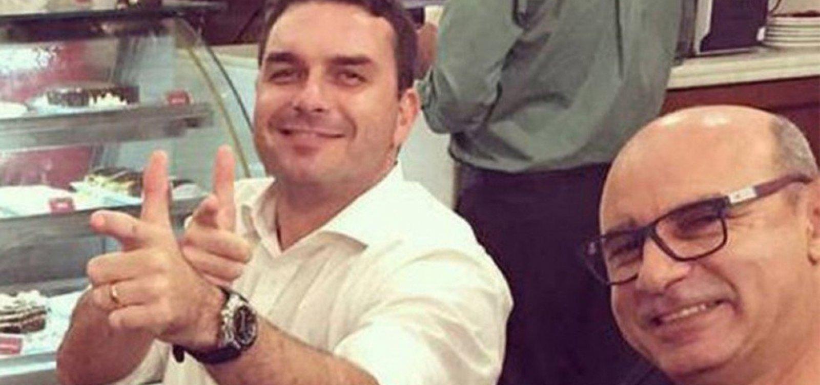 [Flávio diz que prisão de Queiroz foi 'mais um ataque a Bolsonaro']