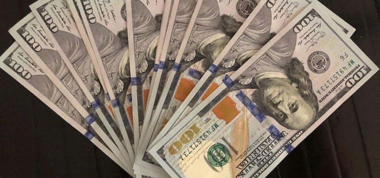 [Dólar fecha em queda após sete altas seguidas negociado a R$ 5,3175]