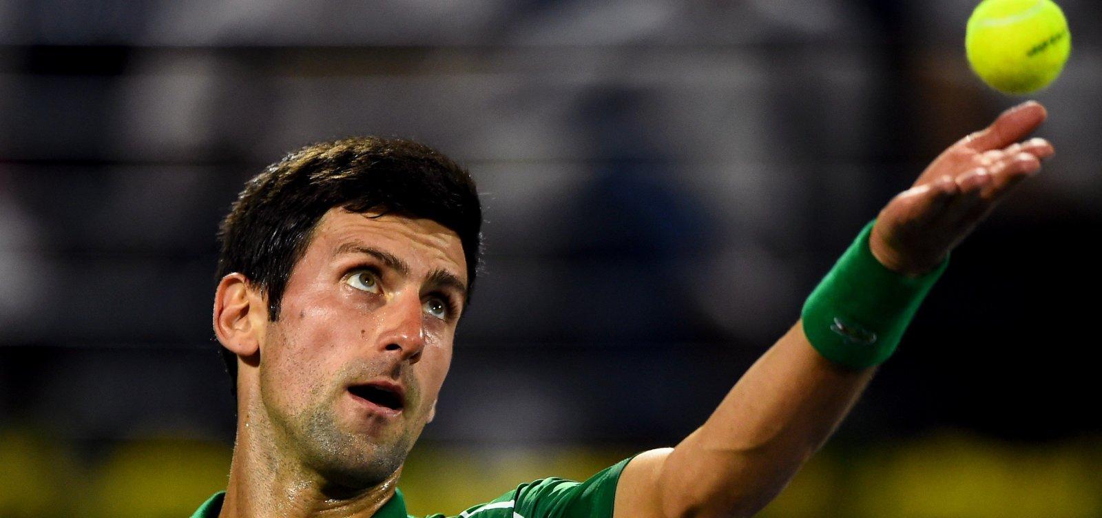 [Após patrocinar e participar de evento esportivo, tenista Novak Djokovic é diagnosticado com Covid-19]