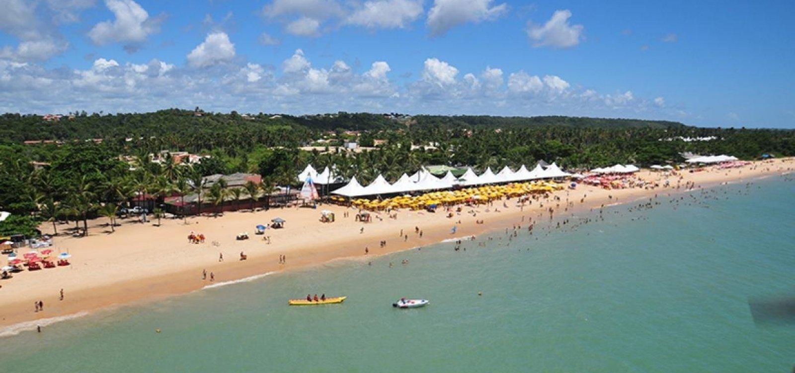 [Porto Seguro autoriza acesso a praias e abertura de hotéis, bares e restaurantes a partir de julho]