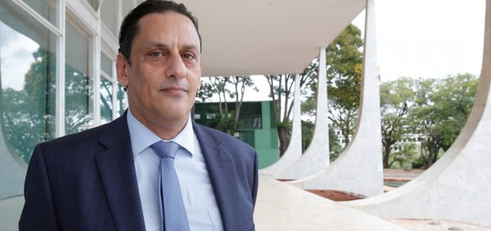 [Wassef diz que foi informado de plano para assassinar Queiroz e colocar culpa na família Bolsonaro]