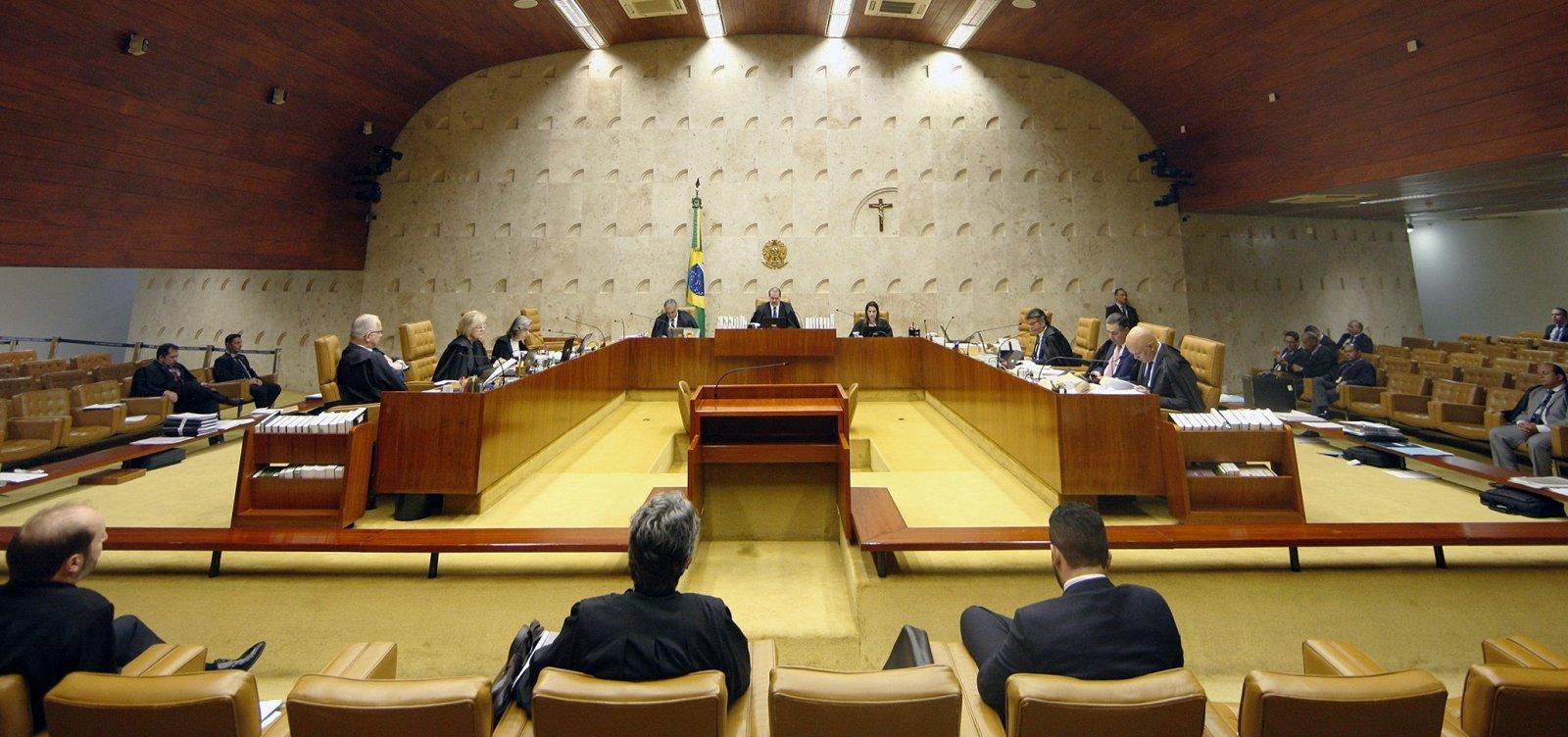 [Ministros do STF questionam foro especial para Flávio Bolsonaro]